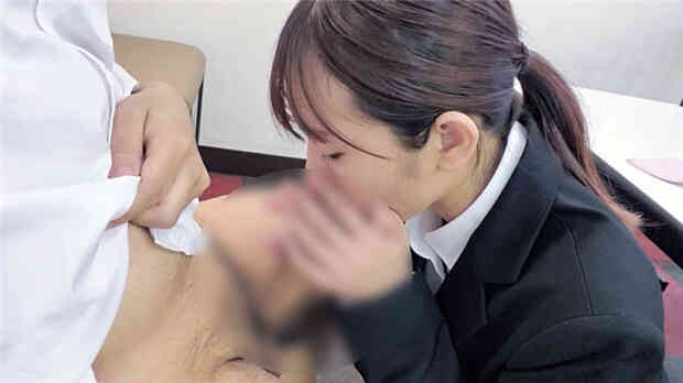 まで限定【無修正】就活で上京中の敏感jd・貸会議室で面接対策フェラ口内射精・ホテル中出し